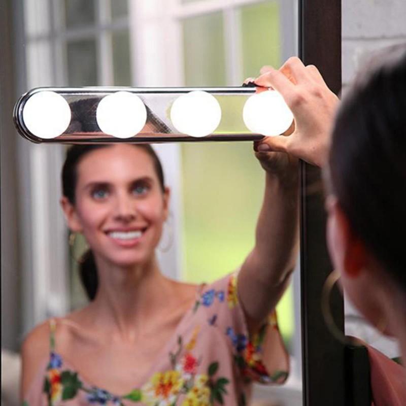 Taşınabilir 4 Led li Banyo ve Makyaj Işığı